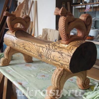 Урок резьбы по дереву. Детская деревянная лавочка с резными подлокотниками-белочками