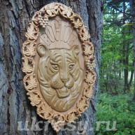 """Резное деревянное панно """"Амурский тигр Восток"""""""