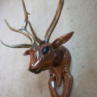 Голова оленя-изюбра из дерева