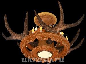"""Резная деревянная люстра с рогами изюбра """"Лесной хоровод""""."""