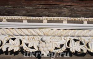 Белая полка под иконы Виноградная лоза