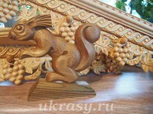 Деревянный сувенир. Белочка из ореха.