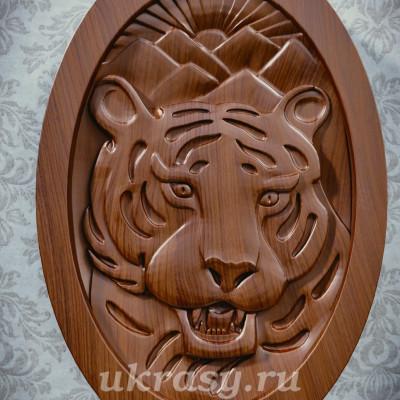 """Резное деревянное панно """"Тигр Амур"""""""