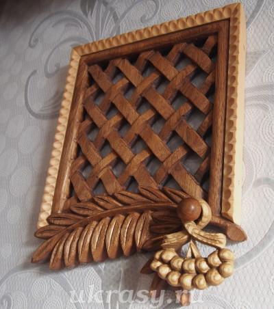 Вентиляционная деревянная решетка.